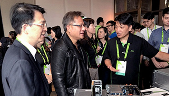 Acer का Altos R880 F4, NVIDIA GPU Accelerated Server Plat Forms के HGX TI क्लास का सदस्य है।