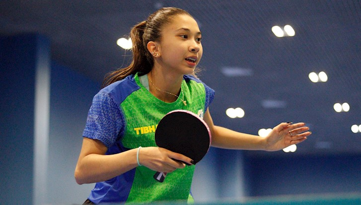 Giulia Takahashi tênis de mesa