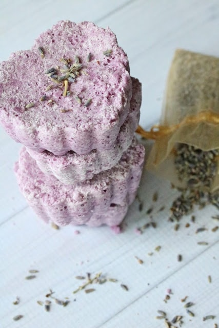 How to make DIY bath bombs at home