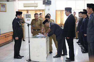 Pj. Sekdaprov Lampung Lantik 12 Pejabat Administrator dan Pengawas