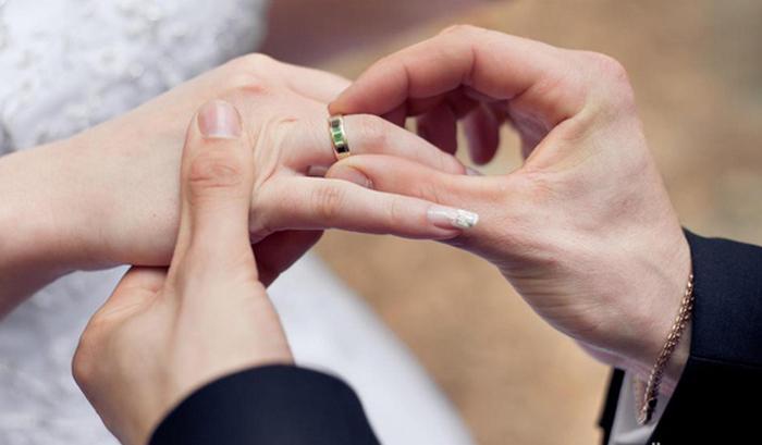 10 Hal yang Harus Kamu Persiapkan Sebelum Menjadi Ratu di Pelaminan, persiapan malam pertama, list persiapan pernikahan, persiapan pernikahan bagi wanita, persiapan pernikahan dalam islam, daftar persiapan pernikahan, persiapan pernikahan islami, persiapan pernikahan adat jawa, persiapan pernikahan sederhana,tukar cincin saat lamaran pernikahan, tukar cincin dalam islam, tukar cincin tunangan, tukar cincin adat jawa, tukar cincin lamaran, hukum cincin kawin dalam islam, tukar cincin kristen, tanya lamaran dan tukar cincin