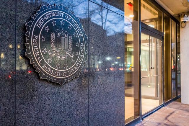 مكتب التحقيقات الفيدرالي التواصل الاجتماعي