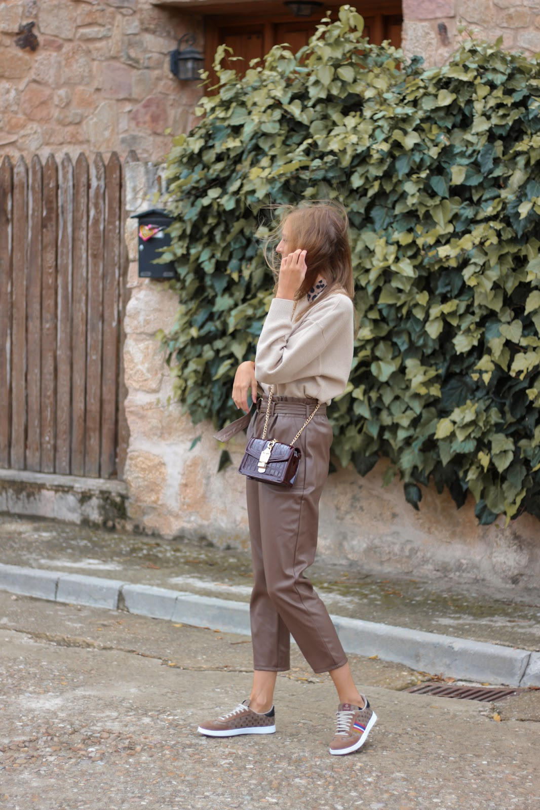 total-brown-look-leather-pants