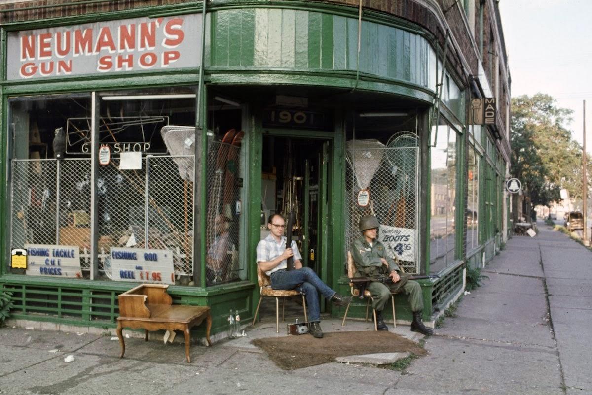 20 Color Photographs From The 1967 Detroit Riot Vintage