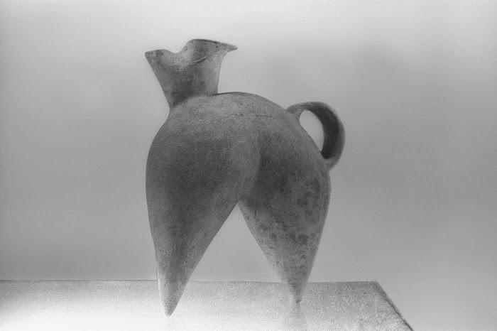 Shanghai, Musée national, poterie sableuse, Liangzhu, fesses, © L. Gigout, 1990