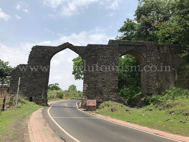 Information about Kamani Darwaza Mandu