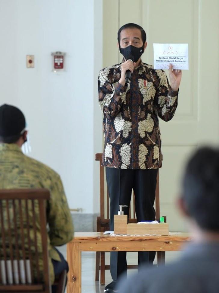 Presiden Jokowi, Kembali Serahkan Bantuan Modal Kerja Bagi Pelaku UMK