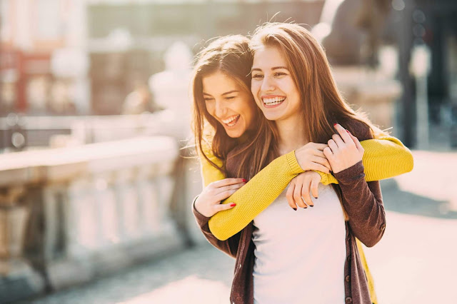 devojke-se-vole-prijateljice-zauvek