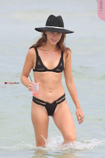 Victoria-Edwards-Hot-in-a-Bikini-in-Miami-Beach-05+%7E+SexyCelebs.in+Exclusive.jpg
