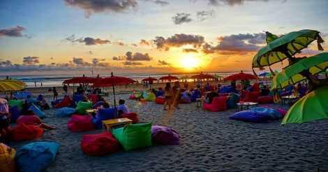 Beach Sunset di Pantai Seminyak Bali