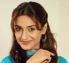 Rati Pandey Family Husband Son Daughter Father Mother Age Height Biography Profile Wedding Photos