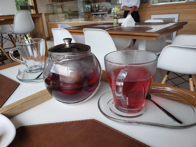 ハイビスカスとリンゴのお茶