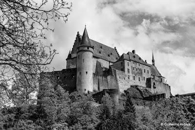 À Vianden (Luxembourg), by Guillermo Aldaya / AldayaPhoto