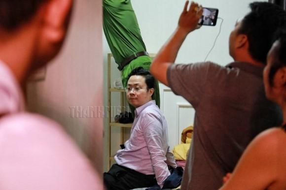 Xông vào nhà bắt trẻ nhỏ: Cận cảnh khám nhà bị can Lâm Hoàng Tùng 3