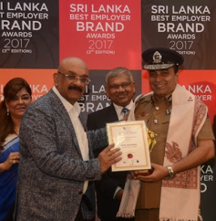 Inspector General of Police, Pujith wins award as Best Employer of Sri Lanka!