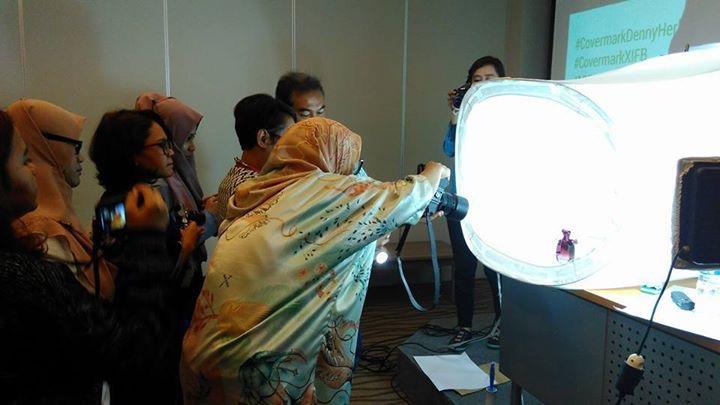 PHOTOGRAPHY WORKSHOP INDONESIAN FEMALE BLOGGERS DAN COVERMARK