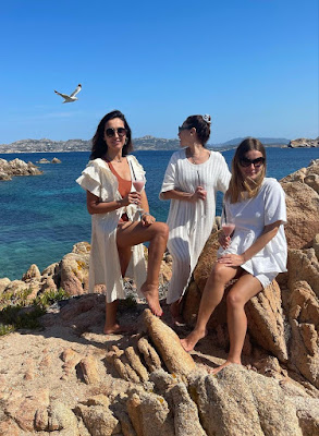 Caterina Balivo mare vacanze amiche Isola della Maddalena foto 9 giugno