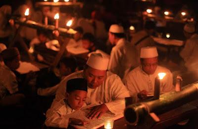 Tradisi Unik Malam Selikuran Cirebon Jawa Barat