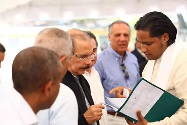 El presidente Danilo Medina celebra su cumpleaños con los ganaderos de Santiago Rodriguez