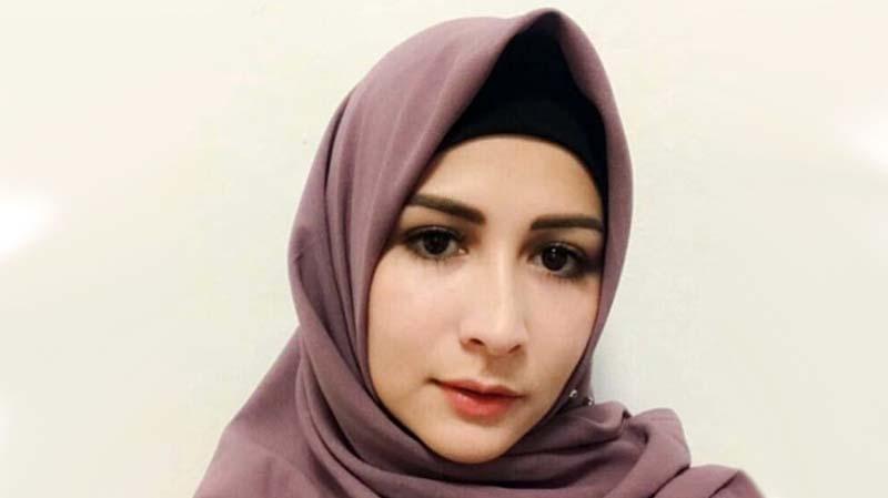 Artis Blasteran Indonesia yang Mantap Jadi Mualaf