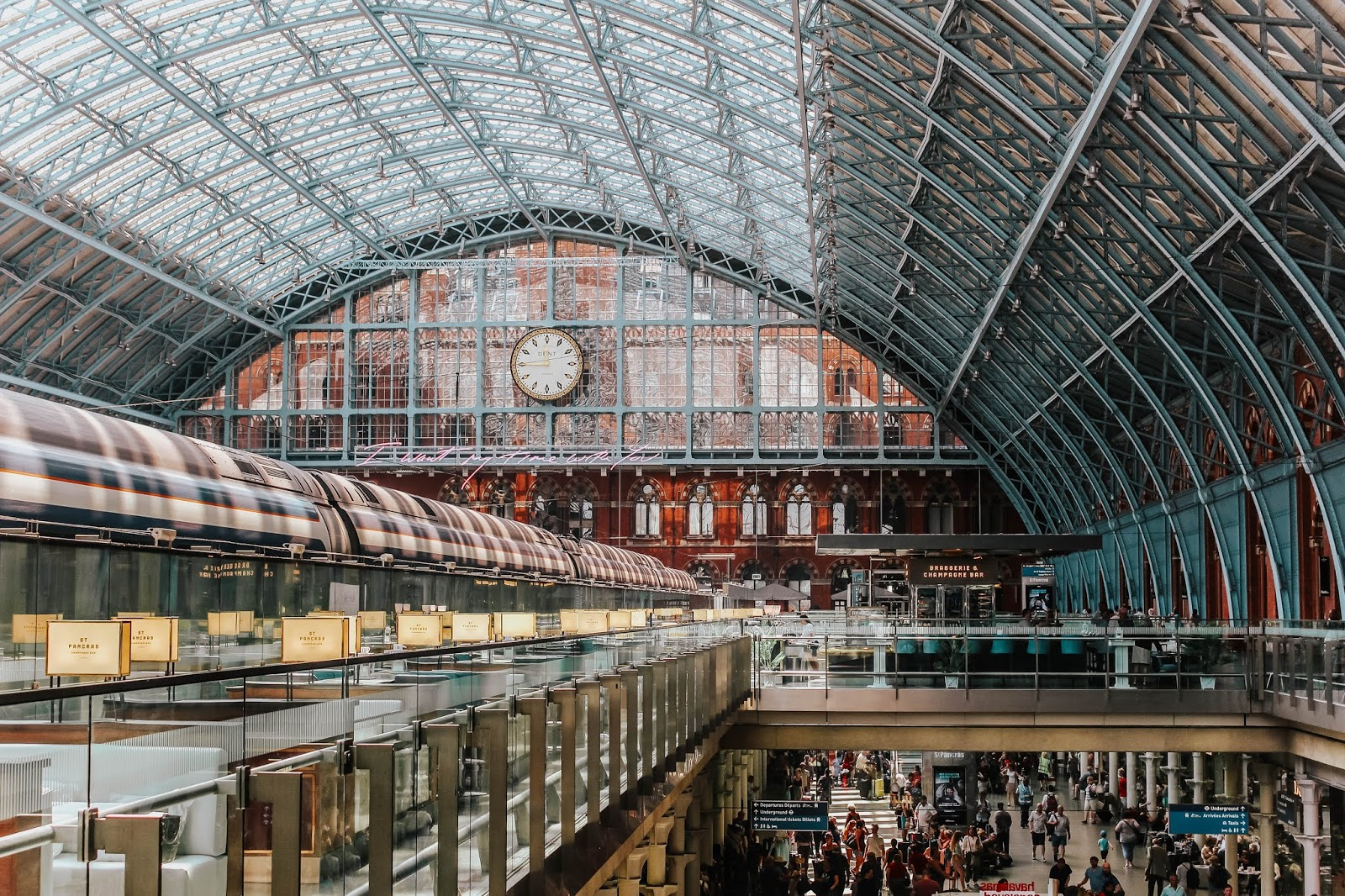 St Pancras International Station Things To Do While You Wait
