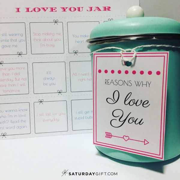 This homemade reasons I love you jar makes a perfect valentines day gift for him or her