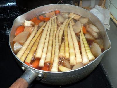煮込み中の鍋