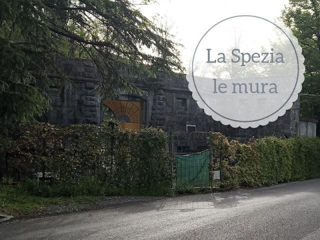 porta castellazzo lungo le mura ottocentesche della Spezia
