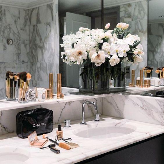 Bathroom Inspiration @thisisglamorous {Cool Chic Style Fashion}.