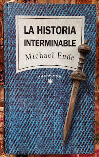Portada del libro La historia interminable, de Michael Ende