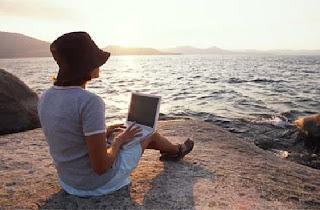 menikmati jalan-jalan gratis melalui profesi Travel blogger
