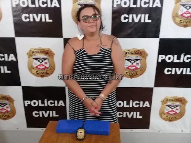 Mulher é flagrada transportando droga em caminhão terceirizado dos Correios