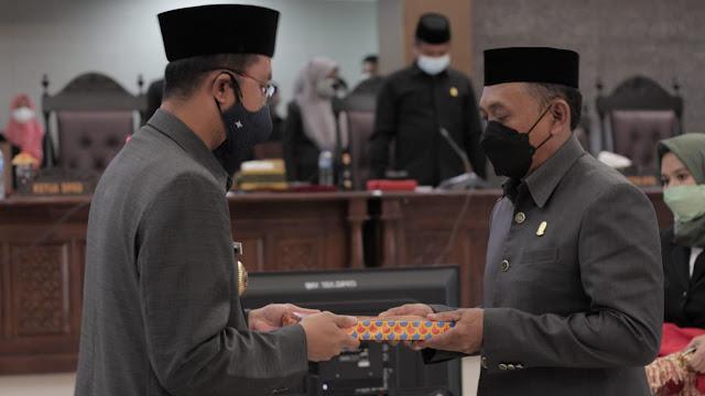 Rapat Paripurna DPRD, Bupati ASA Serahkan Ranperda APBD Perubahan 2021