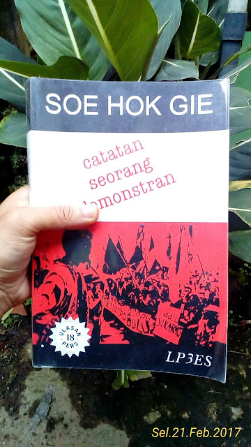 buku catatan seoang demonstran
