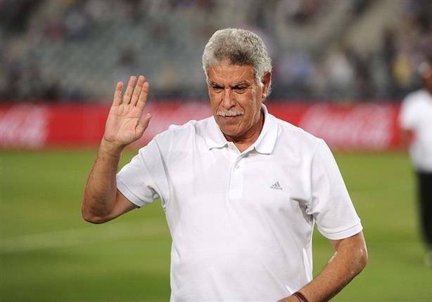 حسن شحاتة يهنئ لاعبي المنتخب الأولمبي بعد التأهل لنصف نهائي امم إفريقيا تحت ٢٣ سنة