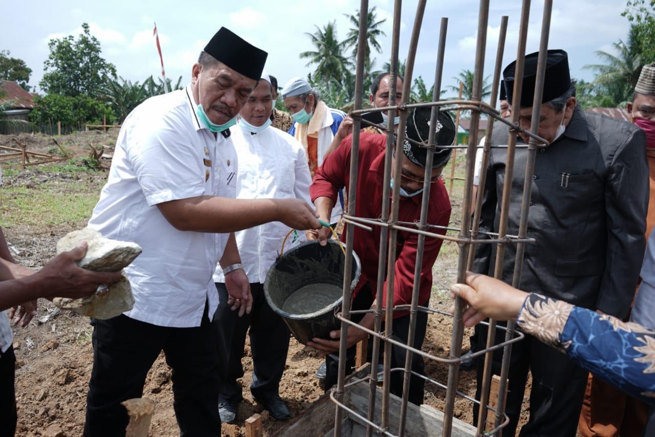 Lakukan Peletakan Batu Pertama Pembangunan Pondok Pesantren Syam Zalilul Akbar, Ini Pesan Wabup Asahan