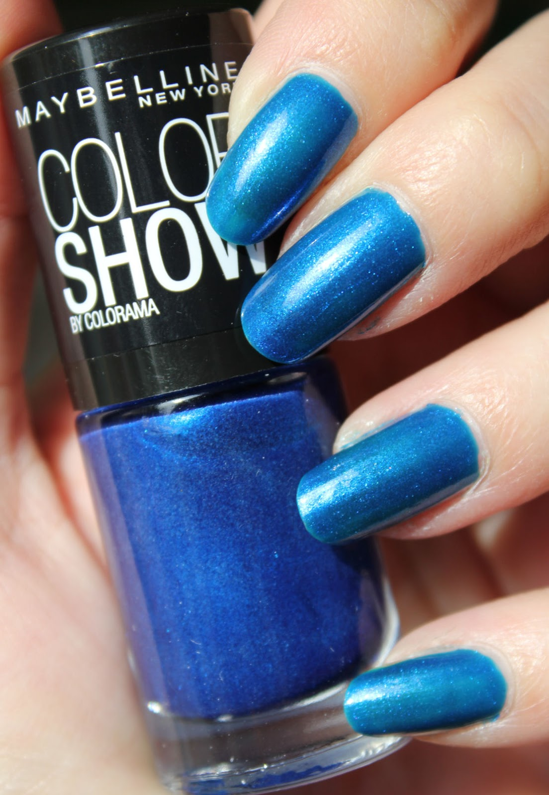 http://lacquediction.blogspot.de/2014/10/maybelline-colorshow-661-ocean-blue.html