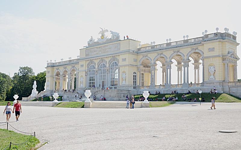 wiedeń, wycieczka do Wiednia, budżetowy wypad do Wiednia, zakreecona, Schönbrunn, co zobaczyć, jak dojechać, pomysł na weekend