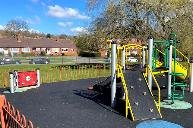 Hillyfields play area preschoolers Loughton