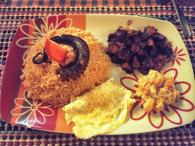Cena maldiviana de pulpo