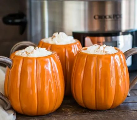 Slow Cooker Pumpkin Spice Lattes #drinks #hotdrink