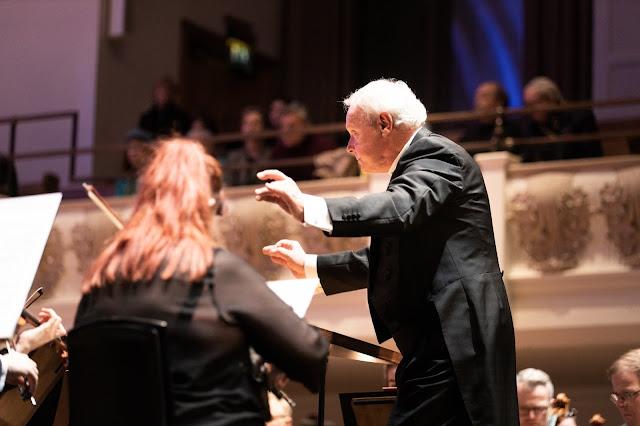 Yan Pascal Tortelier and Iceland Symphony Orchestra (Photo Benjamin Ealovega)