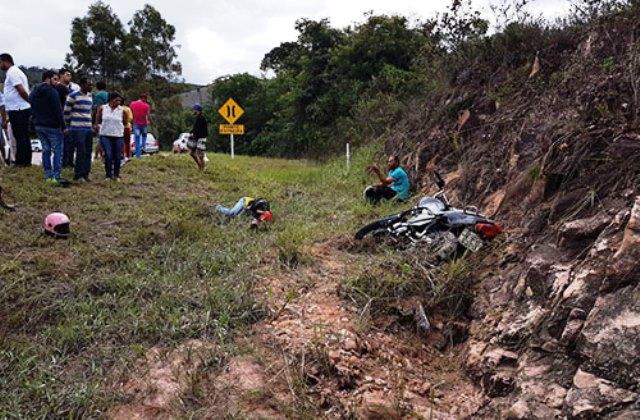 Ibicoara: Duas pessoas ficam feridas após acidente com moto