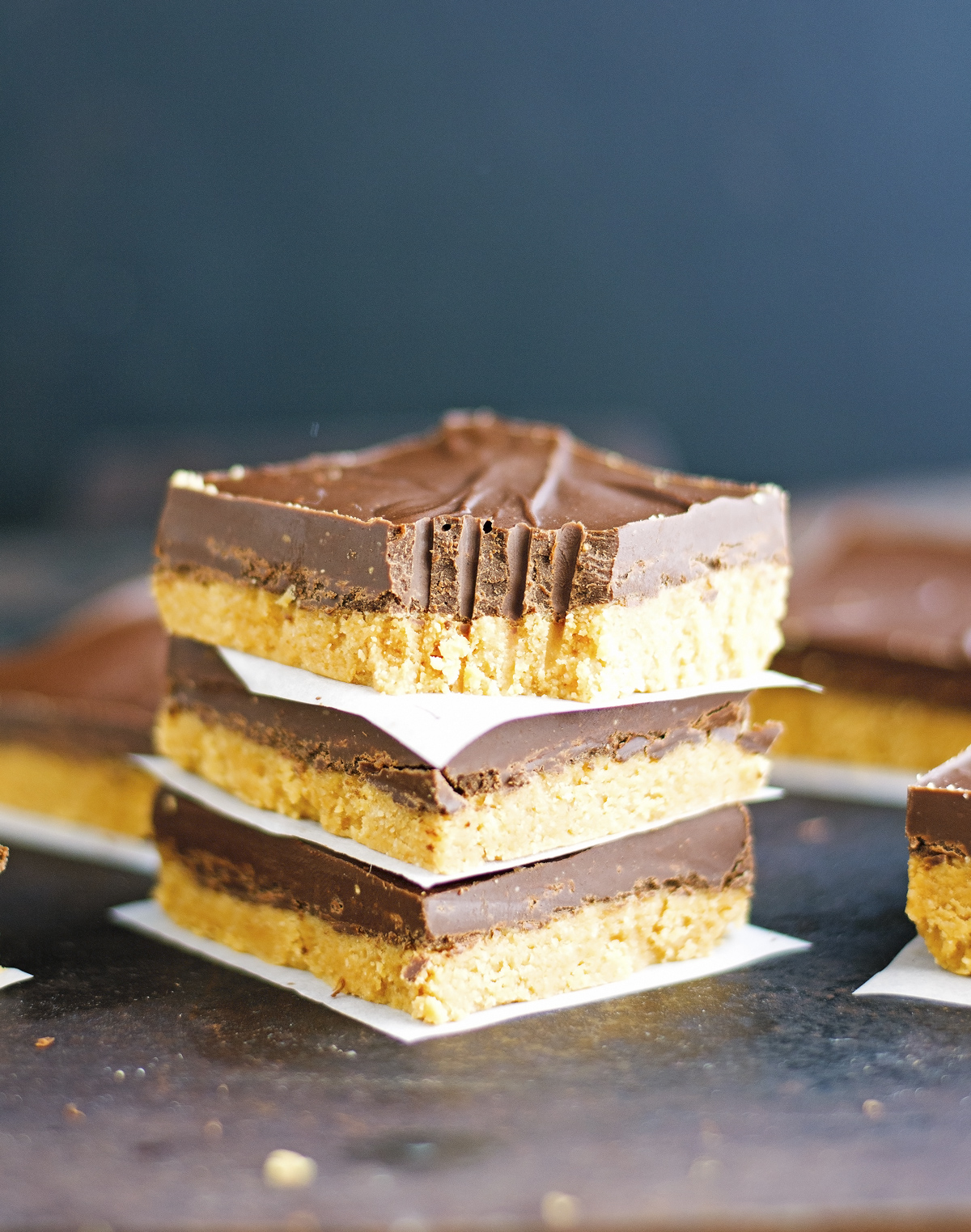 4-Ingredient Chocolate Peanut Butter Bars