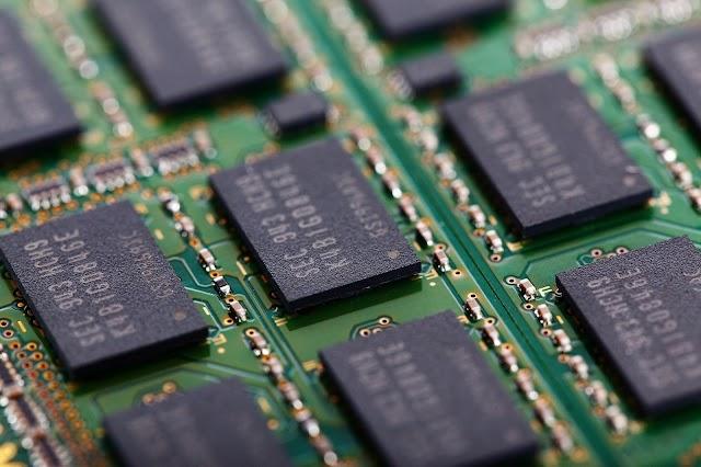 आज हम जानेंगे की RAM और ROM क्या है यह हमारे क्या काम आती है  