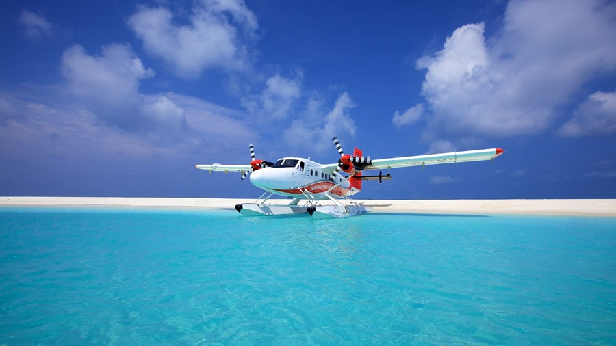 water plane maldives