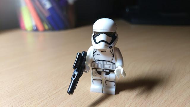 Штурмовик Первого ордена, фигурка лего Звездные войны, купить