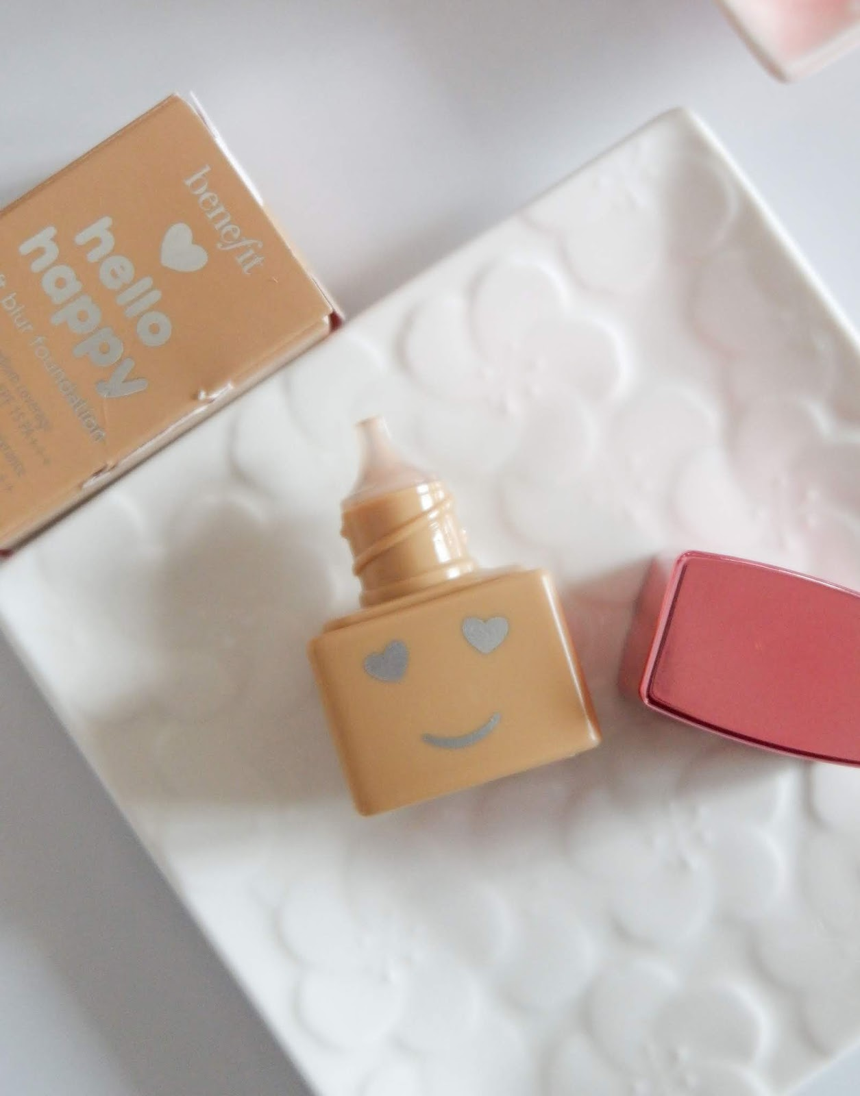 BENEFIT COSMETICS: HELLO HAPPY SOFT BLUR FOUNDATION REVIEW
