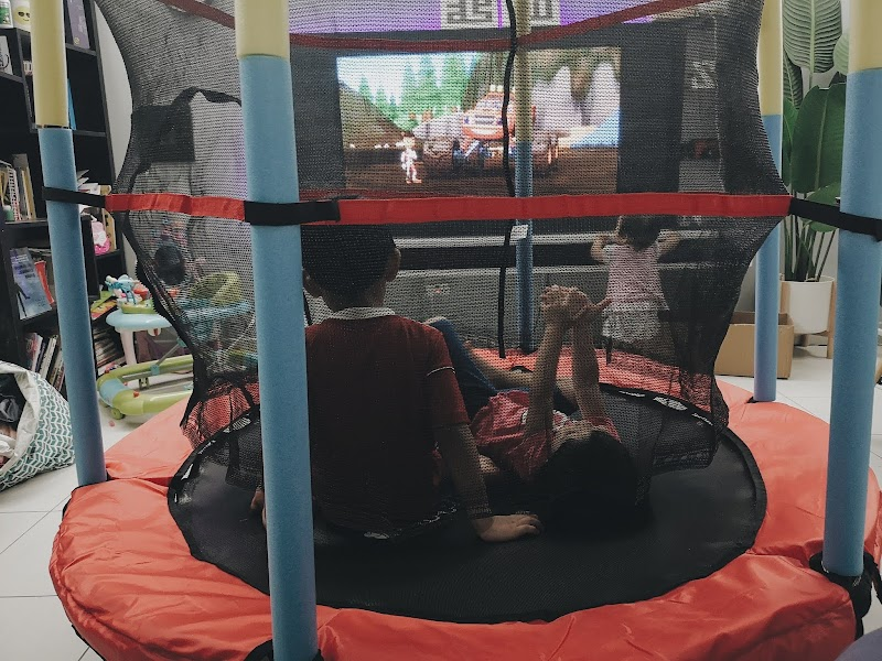 Trampoline Penyelesai Masalah Kanak-kanak Suka Melompat Atas Katil dan Sofa