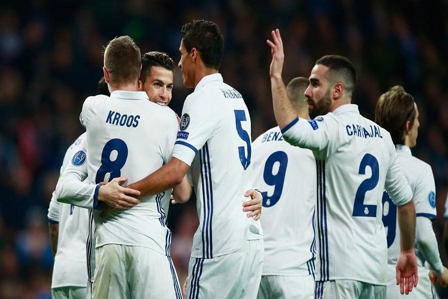 زيدان يسجل رقماً قياسياً جديداً مع ريال مدريد ويقترب من حصد لقب الليجا الإسبانية